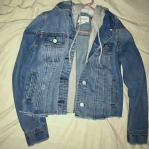 Sky and Sparrow Jean Jacket Size Small